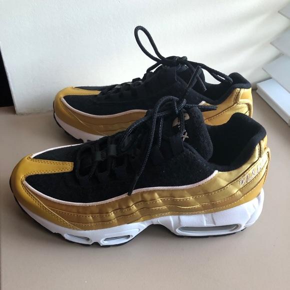 NWOT Nike Air Max 95, Wheat GoldBlackGuava Ice,
